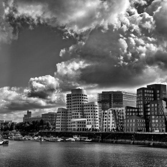 Hafen_Düsseldorf_2_BW